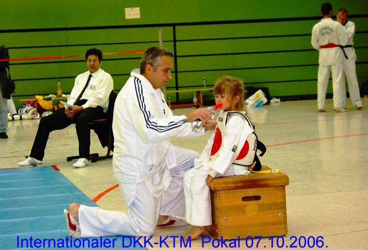 DKK2006b02